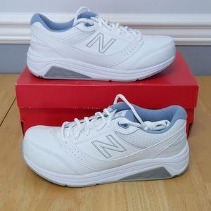 New Balance 928v3. Size 8 D